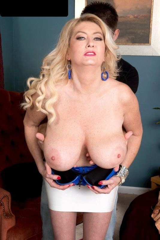 Tahnee Taylor – Busty MILF of the Month 720P