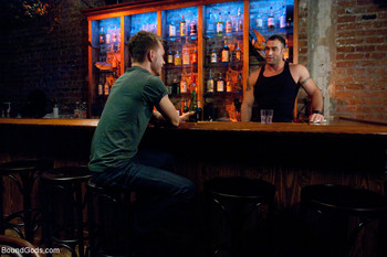 Genre bondage. Cast: Spencer Reed, Zach Alexander Description: It's almost  closing time at a quiet neighborhood bar. Zach Alexander is looking for  some ...