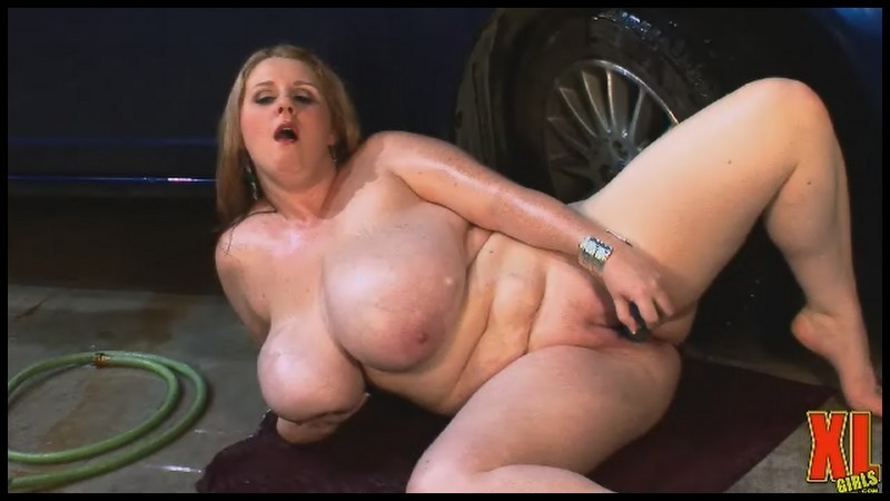 Sapphire 38L – Monstrous Boobs Bombs At The Carwash