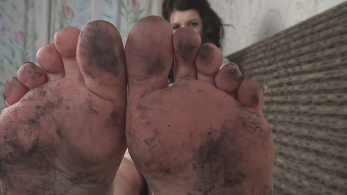 Nikki - clean my dirty soles! Full HD