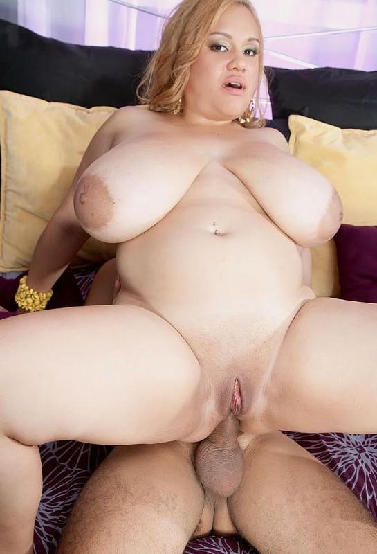 Liza Biggs – Giant Tits   Hashtag LizaBiggsAnal