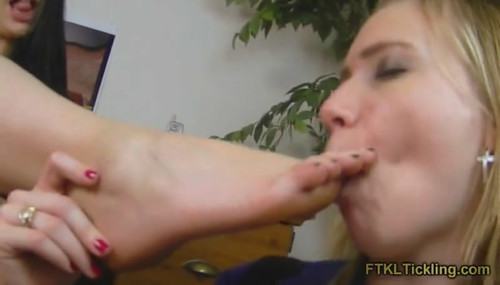 Kelli & Allegra: Ticklish Foot Seduction! (800x500)