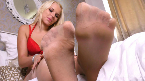 Serenas sexy Nylon Feet - FULL HD WMV