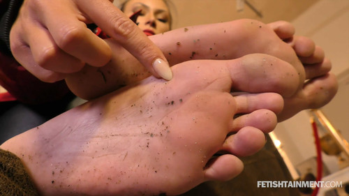 Clean her dirty bare soles ( MISS JENNA ) - FULL HD WMV
