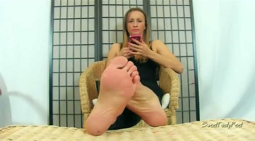 Syla and her sexy soles HQ WMV