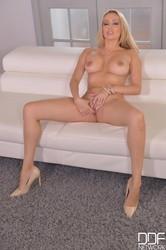 Amber Jayne - Monday Milf Madness - Blondes Fingering Fantasy n6g46u4wlj.jpg