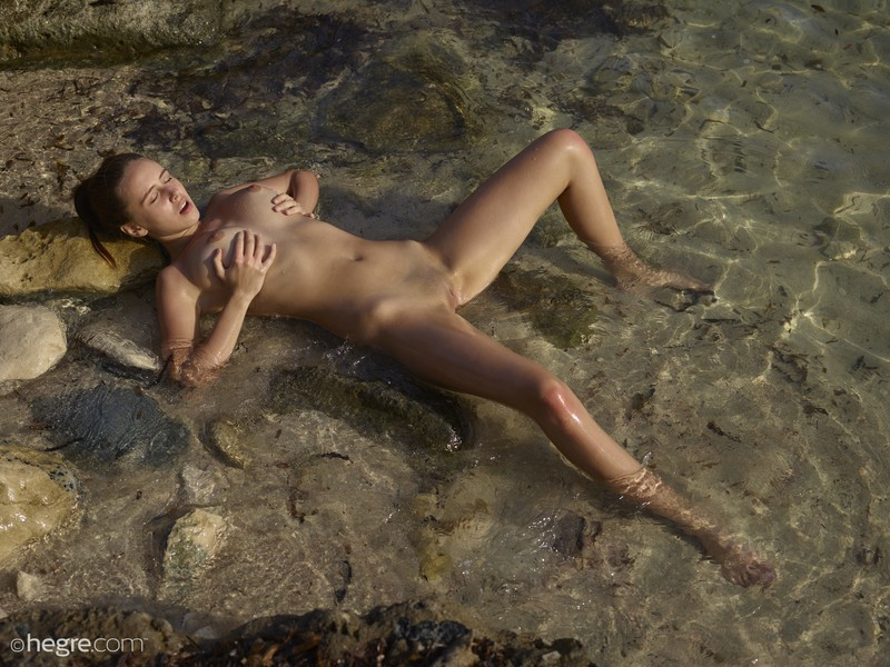 Alisa In Ibiza Beach By Hegre-art VEPorns 1