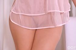 Alyssia Kent - Perfect Pink Debut