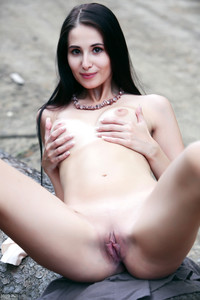Vanessa - Place For Nudity
