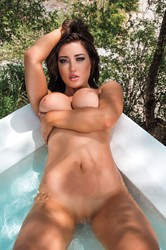 Stefanie-Knight-in-Mexico--f6tgks45ge.jpg