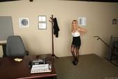 Rachel-Roxxx-Sexy-Secretary-Selfies-%28hardcore%29-o6q7rijfkw.jpg