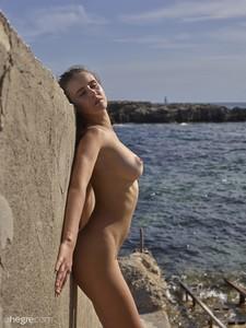 Alisa - Ibiza fun in the sun