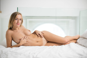 Vika P. - Good Girl