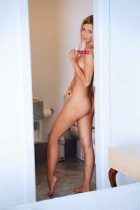 Lisa Dawn - Isono s6r8372fms.jpg