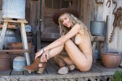 Jennifer-Love-in-Woodland-Hideaway--k6uaw0oi2x.jpg
