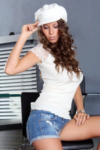 Lizzie Ryan - Sensual Treat y6skrduab2.jpg