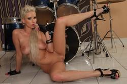 Alexis - Rockn Roll f6rk47d2x7.jpg