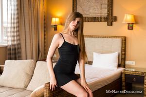 Olesya-In-Tight-Dress--y6rln23tys.jpg