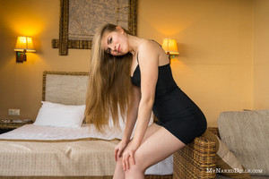 Olesya-In-Tight-Dress--z6rln2tben.jpg
