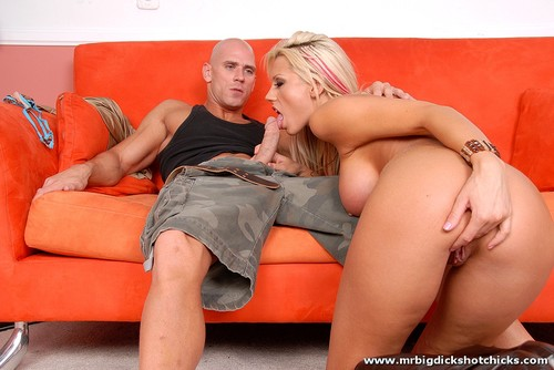 Nudity in threesome